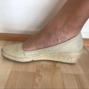 Lucky brand espadrilles in a beige with gold.